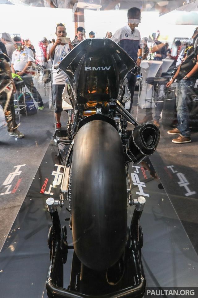 Mô tô siêu nhẹ và công nghệ cao BMW HP4 Race có mặt tại Đông Nam Á, giá từ 2,8 tỷ Đồng - Ảnh 3.