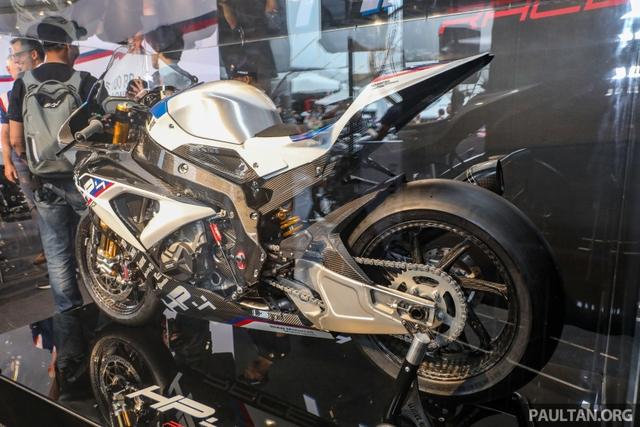 Mô tô siêu nhẹ và công nghệ cao BMW HP4 Race có mặt tại Đông Nam Á, giá từ 2,8 tỷ Đồng - Ảnh 5.