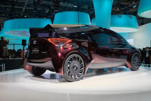 Gặp gỡ Toyota Fine-Comfort Ride - mẫu xe bẻ cong định nghĩa sedan truyền thống - Ảnh 10.