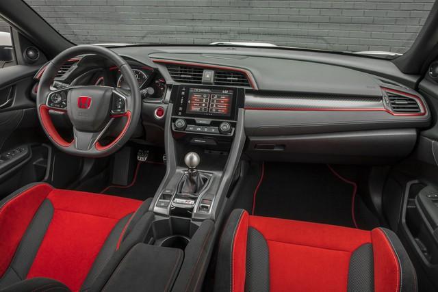 Xe hiệu suất cao Honda Civic Type R tăng giá ở phiên bản 2018 - Ảnh 2.