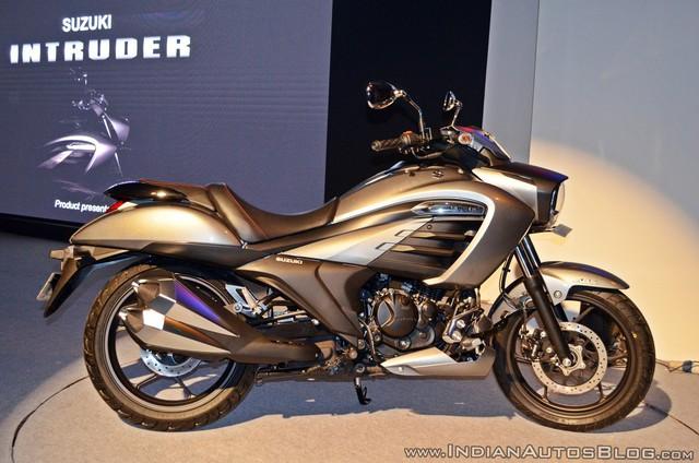 Xe cruiser bình dân Suzuki Intruder 150 chính thức trình làng, giá chỉ 1.515 USD - Ảnh 4.