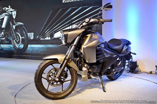 Xe cruiser bình dân Suzuki Intruder 150 chính thức trình làng, giá chỉ 1.515 USD - Ảnh 12.