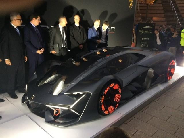 Chiêm ngưỡng vẻ đẹp bằng xương, bằng thịt của siêu phẩm Lamborghini Terzo Millennio mới ra mắt - Ảnh 4.