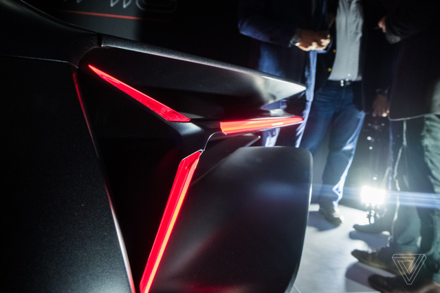 Chiêm ngưỡng vẻ đẹp bằng xương, bằng thịt của siêu phẩm Lamborghini Terzo Millennio mới ra mắt - Ảnh 9.