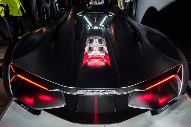 Chiêm ngưỡng vẻ đẹp bằng xương, bằng thịt của siêu phẩm Lamborghini Terzo Millennio mới ra mắt - Ảnh 10.