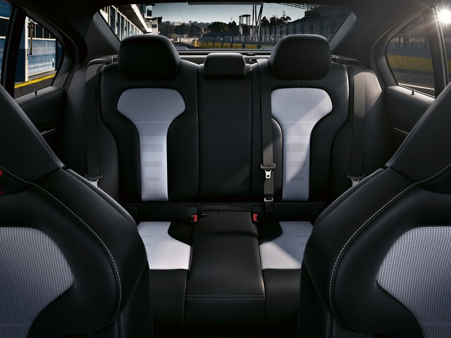 BMW M3 CS - Xe hiệu suất cao không dành cho số đông - Ảnh 12.