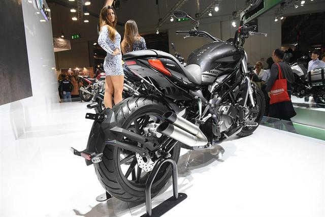 Benelli 402S - Xe cruiser mới với kiểu dáng na ná Ducati XDiavel - Ảnh 6.
