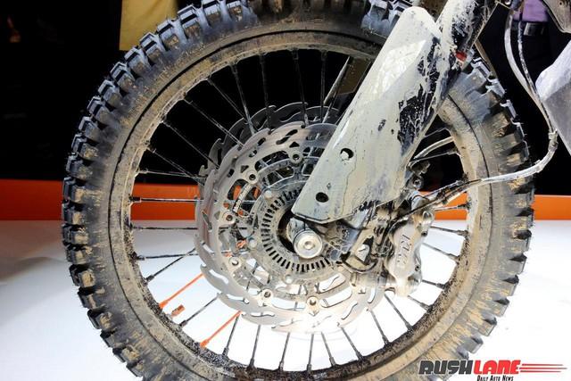 KTM 790 Adventure R - Lựa chọn mới cho người thích lội bùn - Ảnh 10.