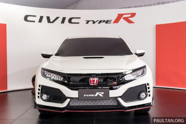 Honda Civic Type R 2017 vừa ra mắt Malaysia đã vượt doanh số mong đợi - Ảnh 2.