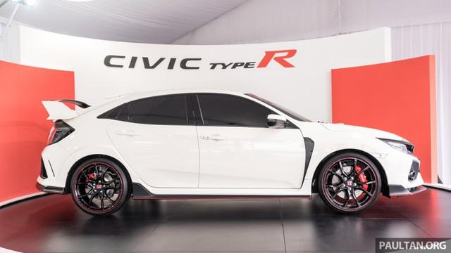 Honda Civic Type R 2017 vừa ra mắt Malaysia đã vượt doanh số mong đợi - Ảnh 4.