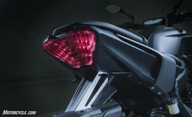 Yamaha MT-07 2018: Thay đổi nhẹ, giá cao hơn - Ảnh 3.
