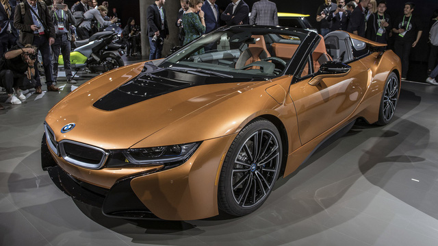 BMW i8 Roadster chính thức trình làng, bổ sung thêm sức mạnh