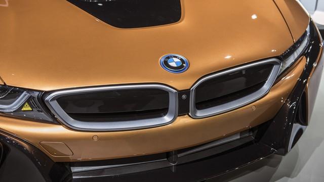 BMW i8 Roadster chính thức trình làng, bổ sung thêm sức mạnh - Ảnh 10.