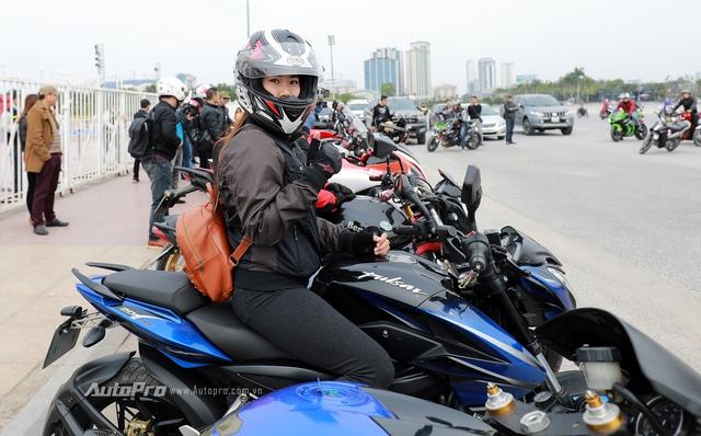 Diễn viên Lê Hồng Đăng xuất hiện cùng dàn xe phân khối lớn tại Hà Nội - Ảnh 3.