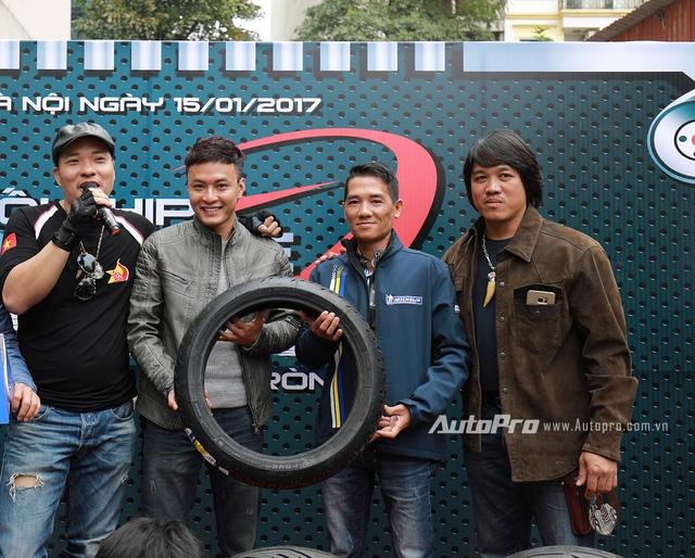 Diễn viên Lê Hồng Đăng xuất hiện cùng dàn xe phân khối lớn tại Hà Nội - Ảnh 2.