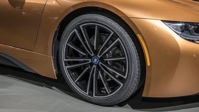 BMW i8 Roadster chính thức trình làng, bổ sung thêm sức mạnh - Ảnh 8.