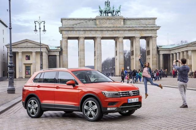 Cạnh tranh Mercedes-Benz GLC, SUV 7 chỗ Volkswagen Tiguan Allspace 2018 có giá 1,7 tỷ đồng - Ảnh 3.