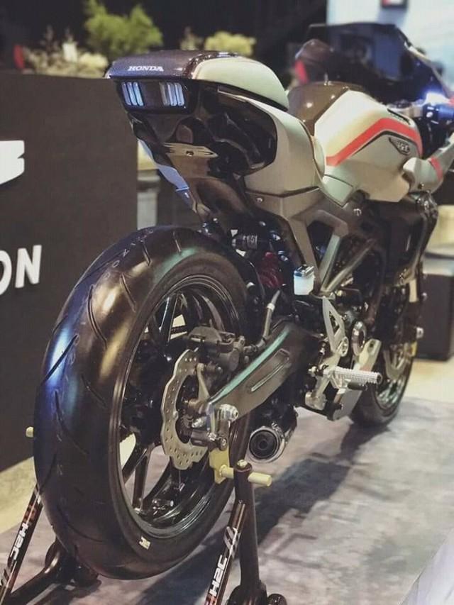 Cận cảnh phiên bản độ chính hãng của naked bike Honda CB150R ExMotion - Ảnh 5.