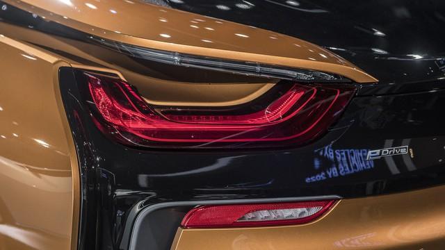 BMW i8 Roadster chính thức trình làng, bổ sung thêm sức mạnh - Ảnh 12.