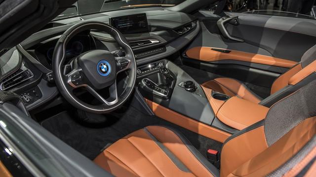 BMW i8 Roadster chính thức trình làng, bổ sung thêm sức mạnh - Ảnh 5.