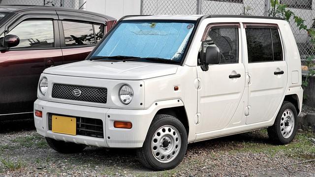 Những mẫu xe Nhật có tên gọi kì cục nhất - Ảnh 3.