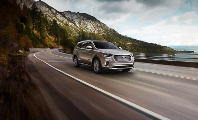 Hyundai giới thiệu Santa Fe 2018 với những thay đổi nhẹ nhàng - Ảnh 2.