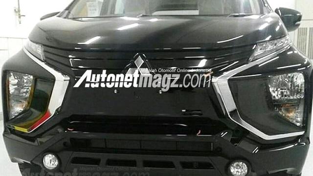"""Lần đầu diện kiến """"dung nhan thật"""" của Mitsubishi Expander sắp ra mắt"""
