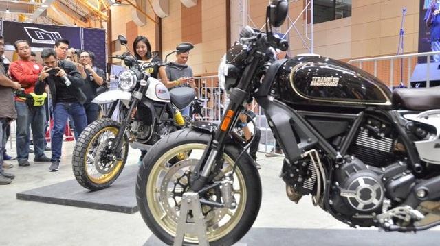 Sau Việt Nam, Ducati mang cặp đôi Scrambler Desert Sled và Café Racer đến Malaysia