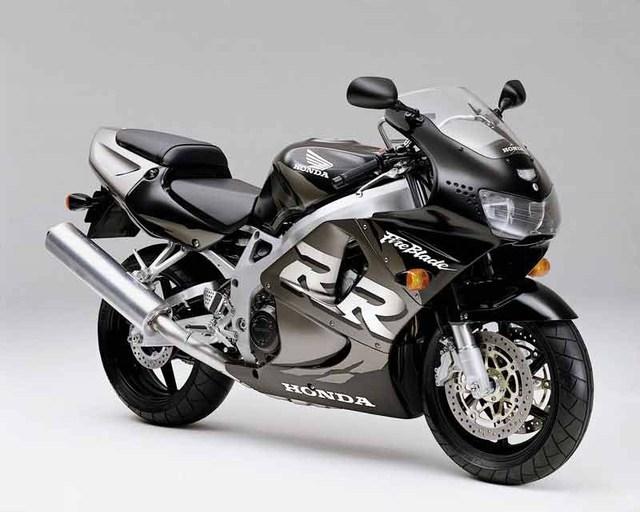 CBR900RR - Siêu mô tô nhẹ nhất trong lịch sử Honda - Ảnh 4.