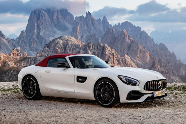 Mercedes-AMG GT mui trần sắp được phân phối chính hãng tại Việt Nam? - Ảnh 2.
