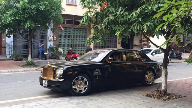 Quảng Ninh: Giật mình với Rolls-Royce Phantom làm xe taxi - Ảnh 2.