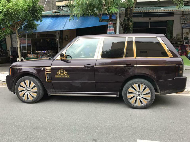 Quảng Ninh: Giật mình với Rolls-Royce Phantom làm xe taxi - Ảnh 3.
