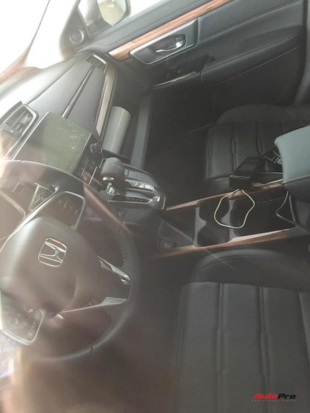Honda CR-V 7 chỗ bất ngờ xuất hiện trên đường phố Hà Nội - Ảnh 3.