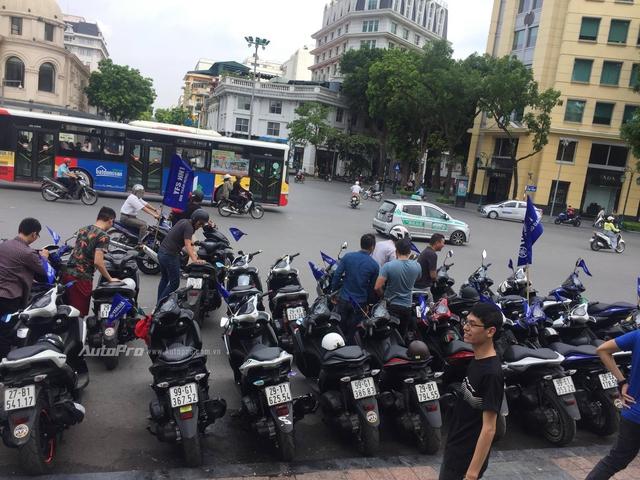 Gần 100 xe Yamaha NVX tổ chức offline tại Hà Nội - Ảnh 1.