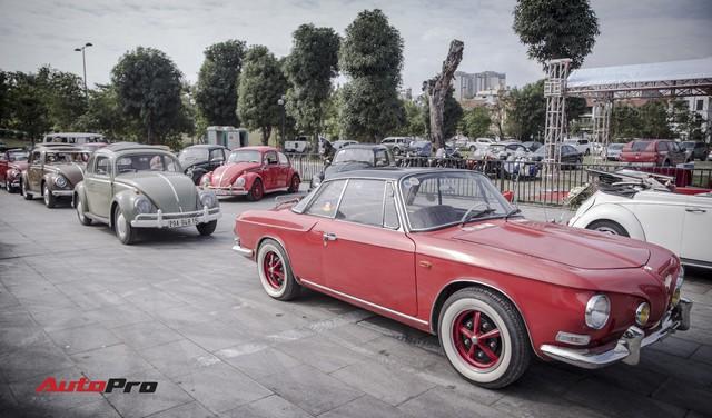 Chiêm ngưỡng dàn bọ già Volkswagen Beetle đủ sắc màu tại Hà Nội - Ảnh 2.