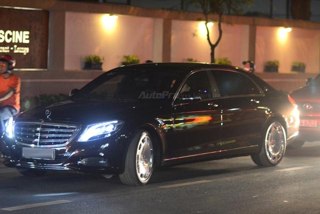 Dàn xe siêu sang Mercedes-Maybach S600 tháp tùng đại gia đến dự đám cưới Hoa hậu Việt Nam 2012 - Ảnh 2.