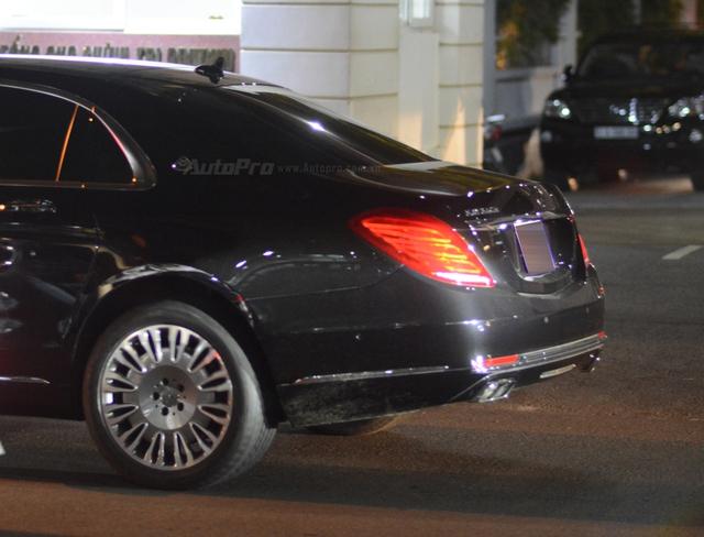 Dàn xe siêu sang Mercedes-Maybach S600 tháp tùng đại gia đến dự đám cưới Hoa hậu Việt Nam 2012 - Ảnh 8.