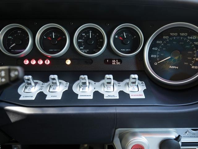 Vẻ đẹp vượt thời gian của chiếc Ford GT 11 tuổi chuẩn bị đấu giá - Ảnh 6.