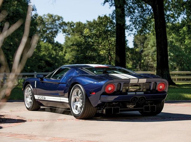 Vẻ đẹp vượt thời gian của chiếc Ford GT 11 tuổi chuẩn bị đấu giá - Ảnh 4.