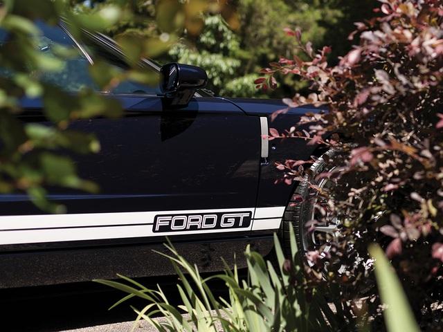 Vẻ đẹp vượt thời gian của chiếc Ford GT 11 tuổi chuẩn bị đấu giá - Ảnh 8.