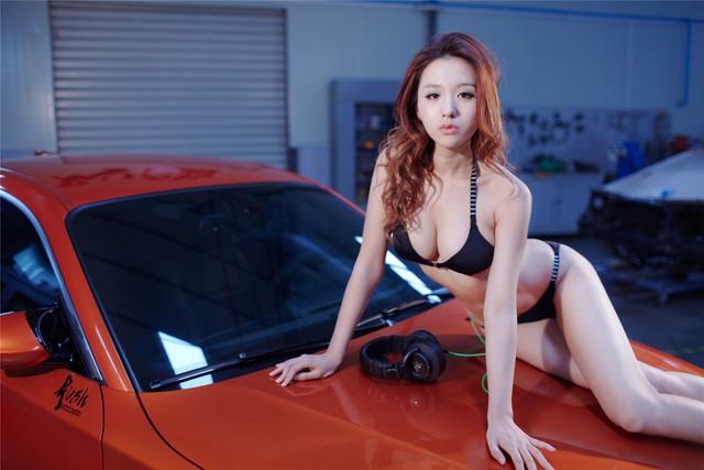 Cô nàng da sáng, dáng xinh bên BMW M-series - Ảnh 4.