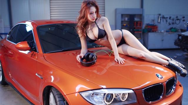 """Cô nàng """"da sáng, dáng xinh"""" bên BMW M-series"""