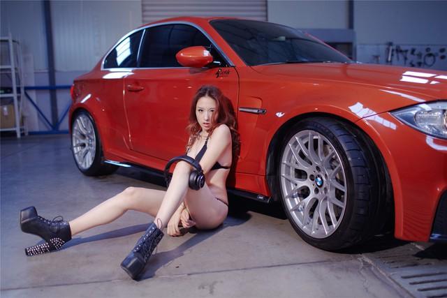 Cô nàng da sáng, dáng xinh bên BMW M-series - Ảnh 7.