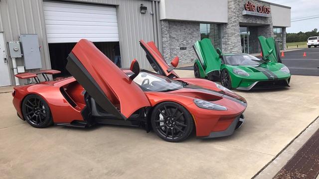"""Siêu xe """"kén khách"""" Ford GT thế hệ mới đặt chân đến Mỹ"""