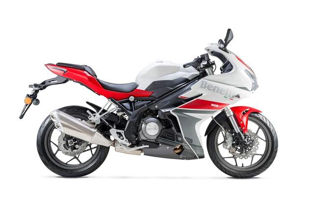 Benelli 302R 2018 - Mô tô thể thao cạnh tranh Yamaha R3 và Honda CBR300R - Ảnh 4.