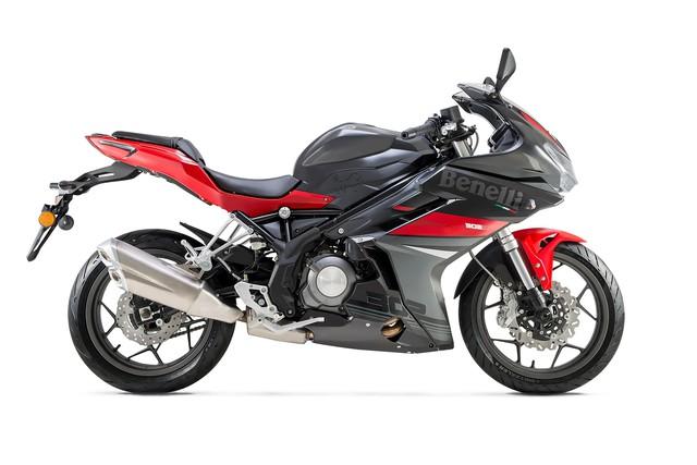Benelli 302R 2018 - Mô tô thể thao cạnh tranh Yamaha R3 và Honda CBR300R - Ảnh 9.