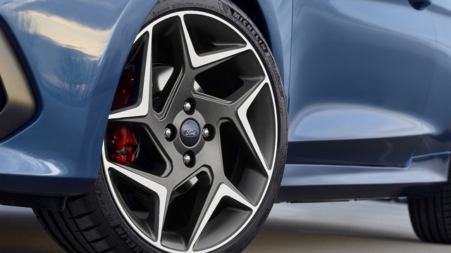 Phiên bản hiệu suất cao của Ford Fiesta trình làng - Ảnh 6.