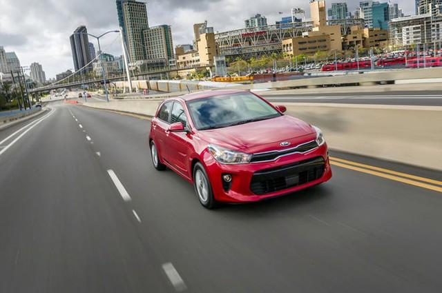 Hyundai Accent và Kia Rio: Mèo nào cắn mỉu nào? - Ảnh 8.