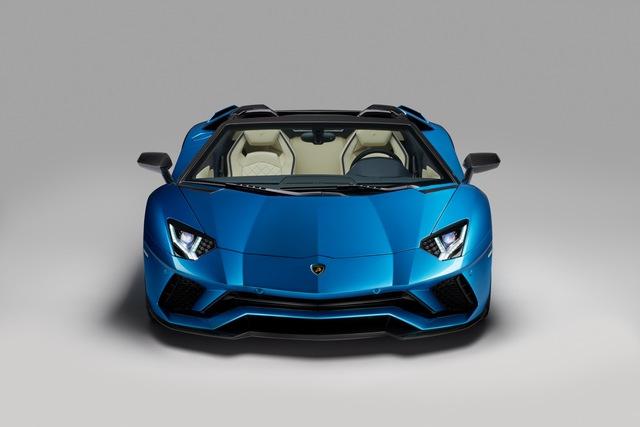 Lamborghini Aventador S LP740-4 mui trần chính thức trình làng, giá từ 10,4 tỷ Đồng - Ảnh 1.