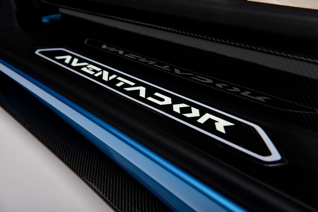Lamborghini Aventador S LP740-4 mui trần chính thức trình làng, giá từ 10,4 tỷ Đồng - Ảnh 14.